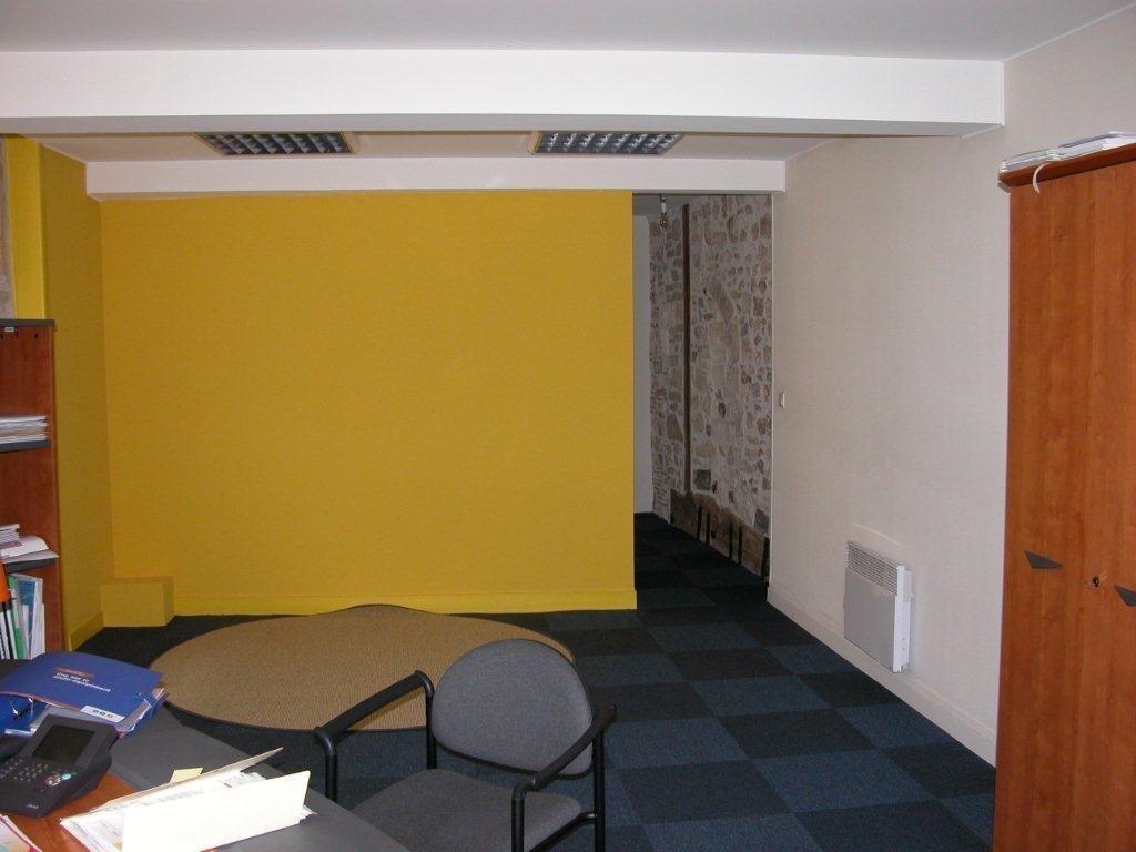 nontron bureau louer photos d 39 int rieur. Black Bedroom Furniture Sets. Home Design Ideas